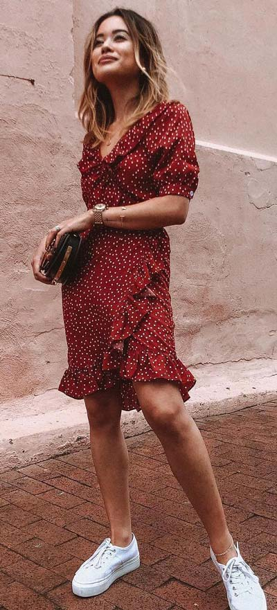 Find sexy valentines day clothes and valentines day fashion. 31+ Cute Valentines Day Outfits for Every Type of Date. Wrap dress in wine | Valentine style via higiggle.com #valentine #fashion #outfits #love
