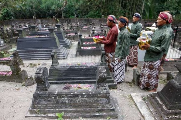 Tradisi upacara Nyadran bagi Orang Jawa dari sudut pandang Islam