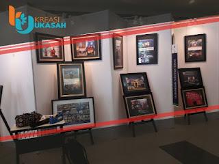 pameran foto Menggunakan Partisi R8