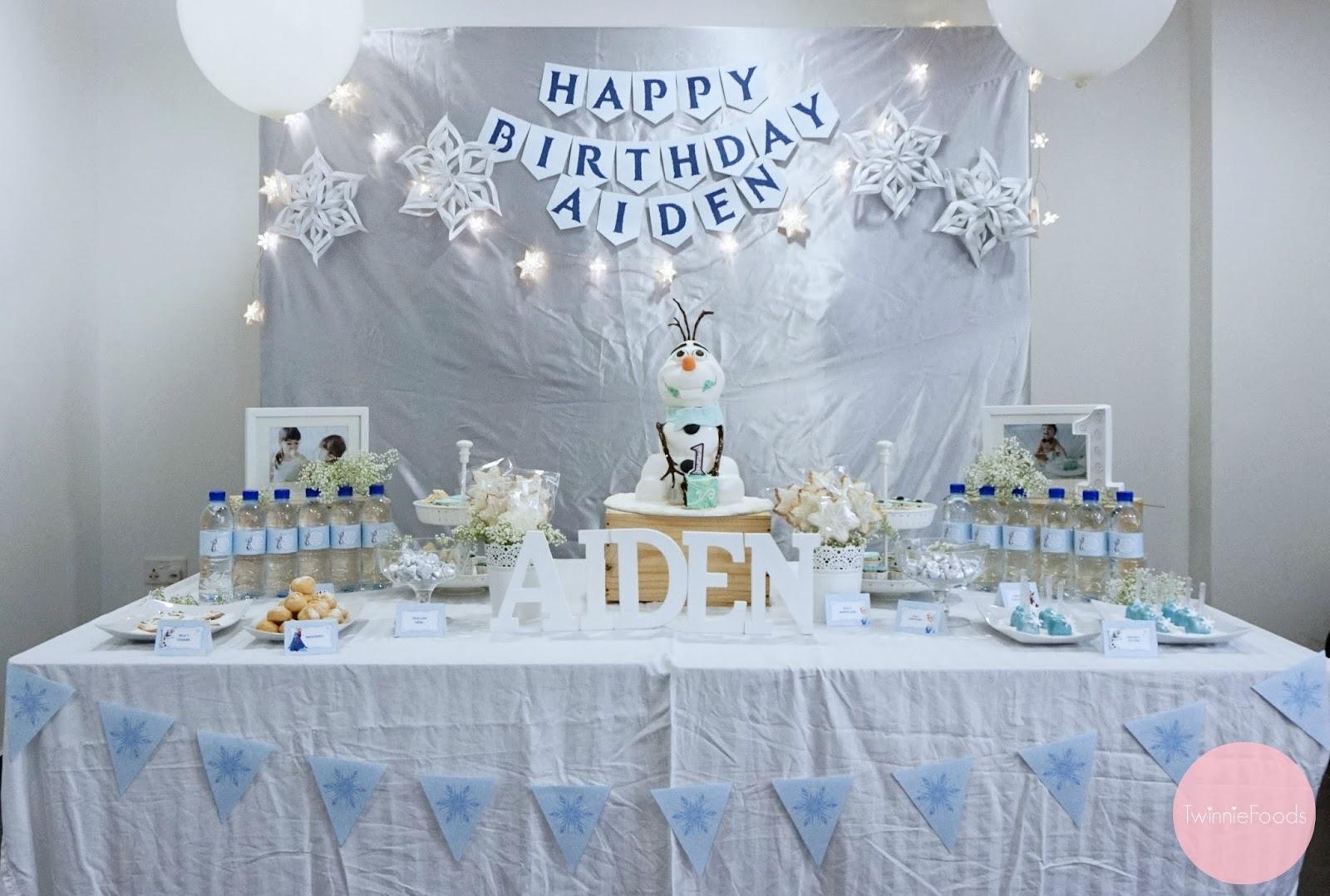 3d Olaf Cake Amp Frozen Dessert Table Twinniefoods