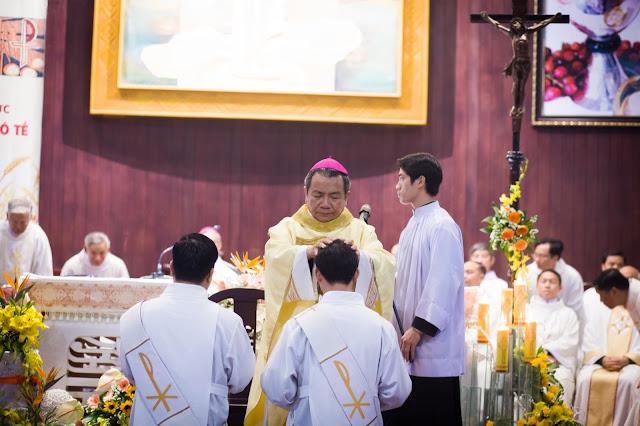 Lễ truyền chức Phó tế và Linh mục tại Giáo phận Lạng Sơn Cao Bằng 27.12.2017 - Ảnh minh hoạ 161