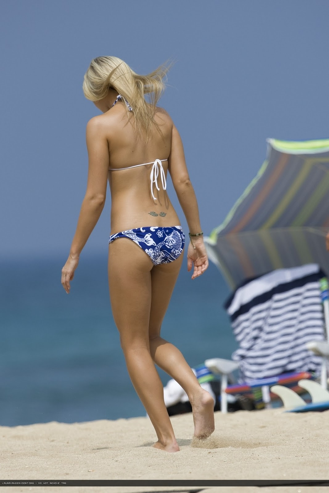 laura vandervoort hot bikini b side
