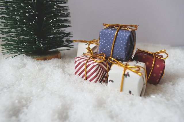 Christmas blogging props & where to find them!