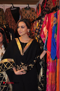 Bollywood Actress Sana Khan Launches Aakrithi Exibition  0124.JPG