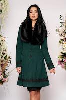 Palton LaDonna verde-inchis elegant lung in clos cu guler din blana
