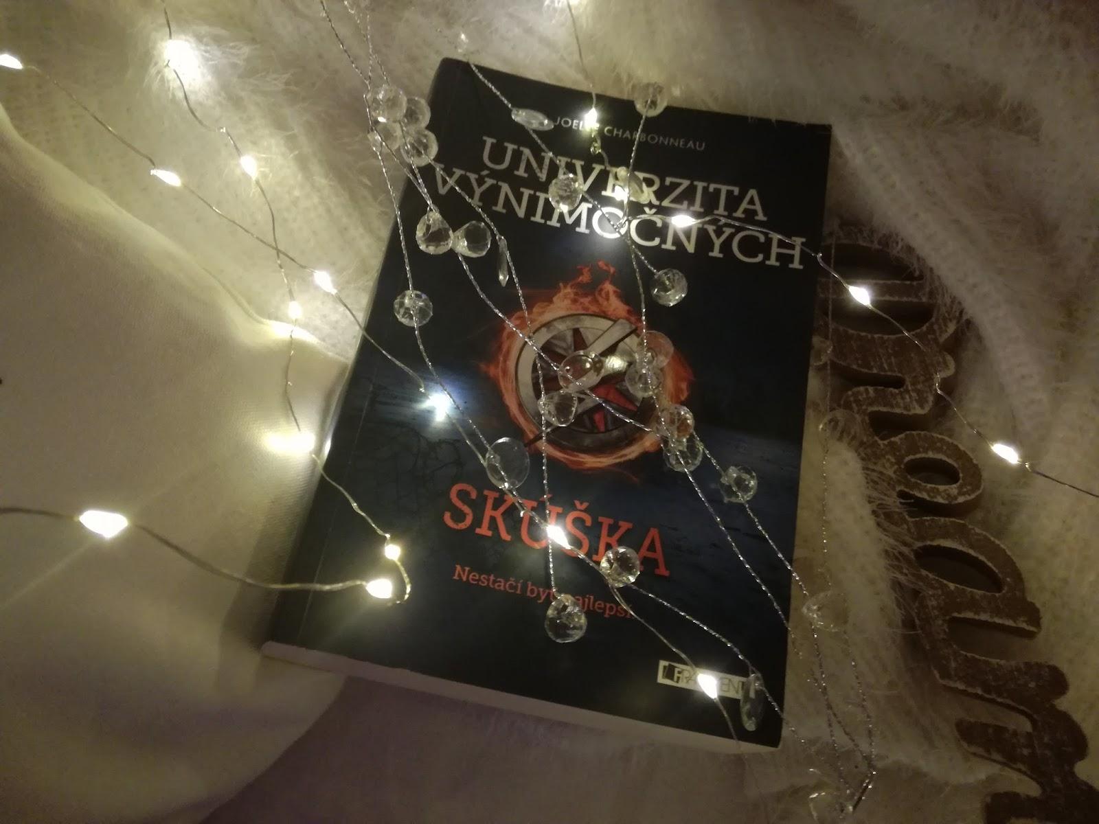 Kráľova klietka - Táto kniha vo mne zanechala milión pocitov a asi 3 dni  som predýchavala koniec knihy. Séria Červená kráľovná patrí medzi moje ... ff5df55f6cb
