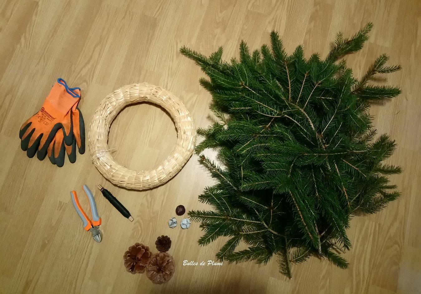 bulles de plume: fabriquer une couronne de noël avec des branches de