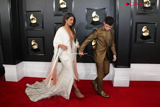 Priyanka CHopra in Lovely Evening Gown without Front Buttons at Grammy Awards 2020 ~ bollycelebs.in Exclusive Pics 007