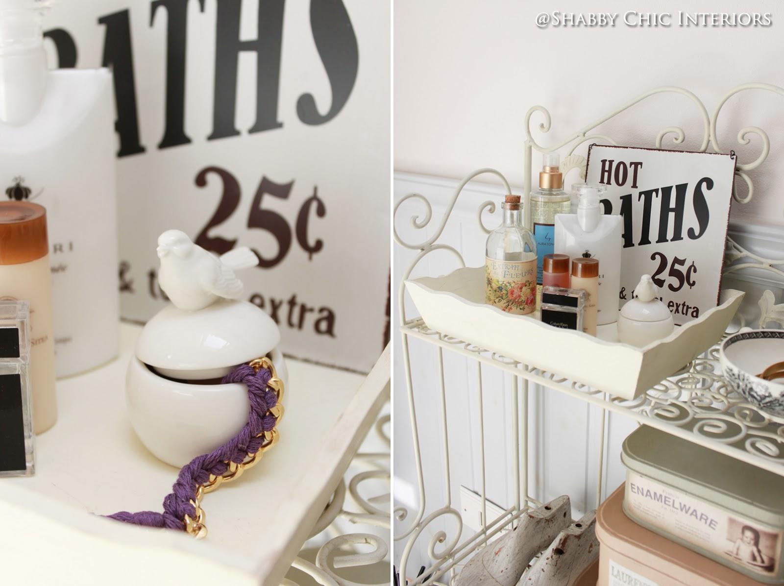 Un bagno in stile shabby shabby chic interiors - Copridivano stile provenzale ...