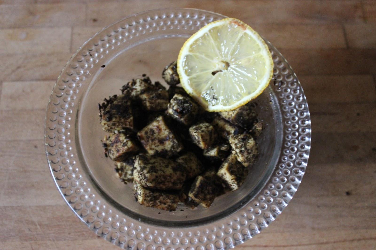 https://cuillereetsaladier.blogspot.com/2013/06/cubes-de-tofu-au-parfum-libanais.html