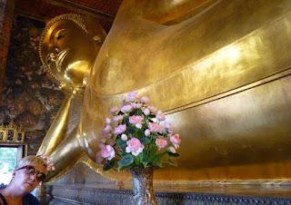 Bangkok, Templo de Wat Pho. Buda Reclinado.
