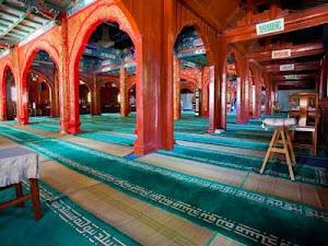 Di Dalam Masjid Niujie