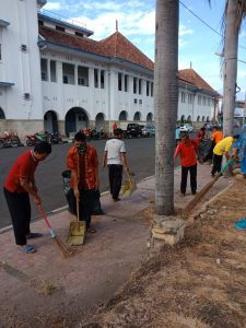 Jelang Peringatan Hari Jadi Cirebon ke 649, Warga Kembali Bersih-Bersih Kota Cirebon
