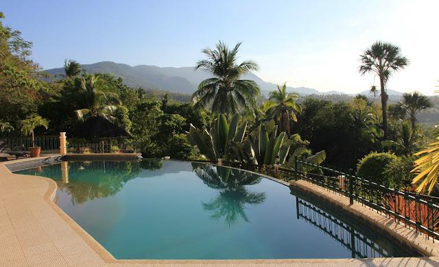 Suuntana Aasia | Kaunis ja vehreä Puerto Galeran alue Mindorolla | Hukkapiilo