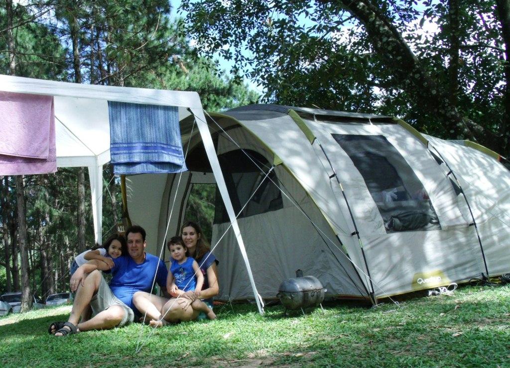 6affc84c9b6ae Alguns dias antes tinha pesquisado o site do Camping Chapéu de Sol