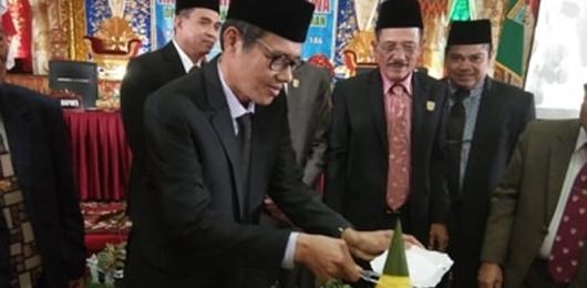 Jago Melobi Dana Pusat, Gubernur Puji Kepemimpinan Ali Mukhni - Suhatri Bur