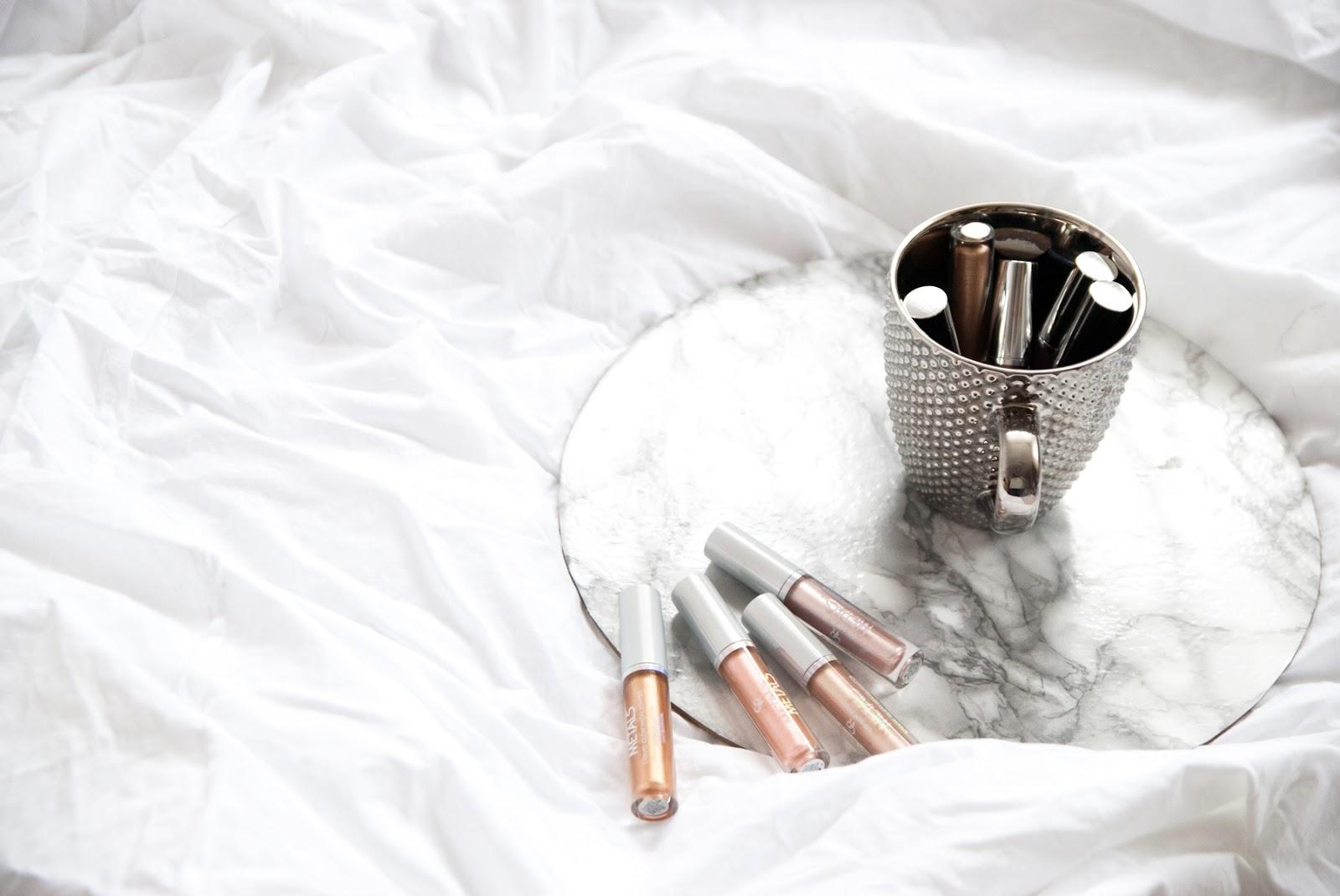 Metaliczne trendy w makijażu | Golden Rose