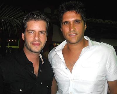 Fotos dos cantores Victor e Leo 2013