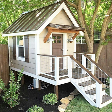 There seems to be a shift lately in building small houses. It is fundamentally all about finding a way to include as many things and purpose into as little space as possible. There are some very inspiring designs out there and we made it our mission to find them.  Learn how to make the most of your small space situation with these 50 creative design ideas.
