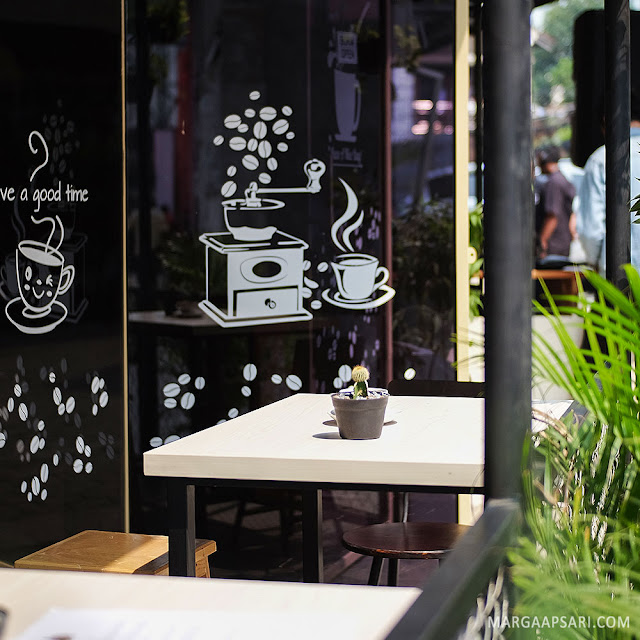 Tingwe Coffee Shop @ Bakoel Ussy, Cawang Jakarta Review