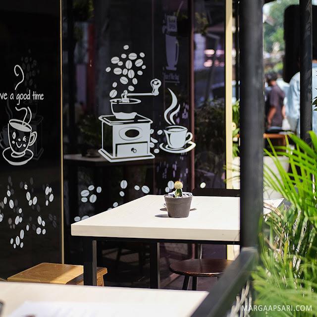 Tingwe Coffee Shop @ Bakoel Ussy, Cawang Jakarta Review