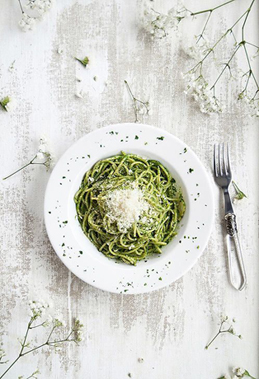 Greenery Pantone Colour of the Year 15-0343 Eat Clean Healthy Food Recipe Spaghetti