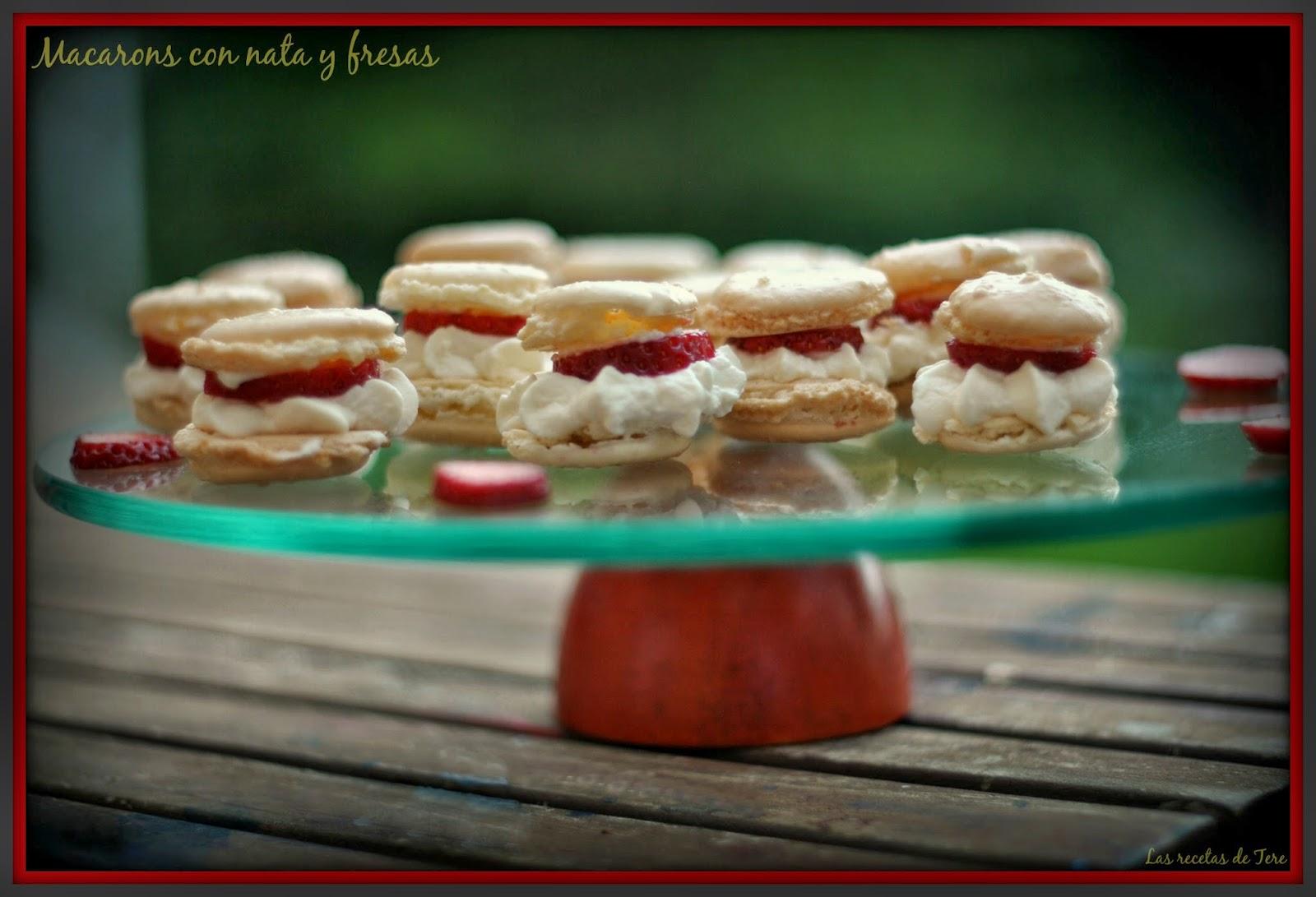 Macarons con nata y fresas 06