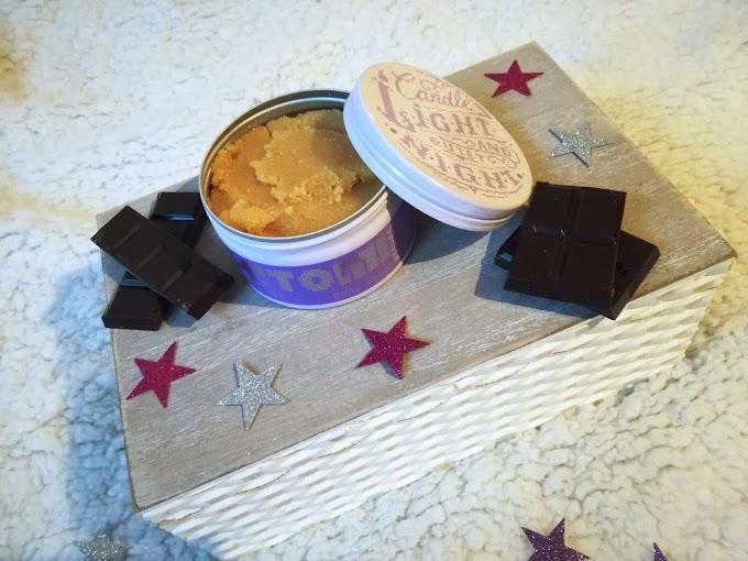 Peeling cukrowy o zapachu ciemnej czekolady OH!TOMI