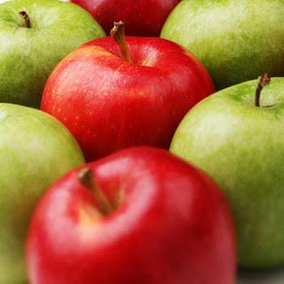 gambar warna warni buah apel