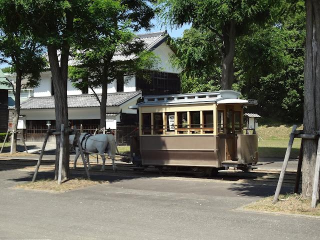 Vagón tirado por caballo en el museo de la villa histórica de Hokkaido