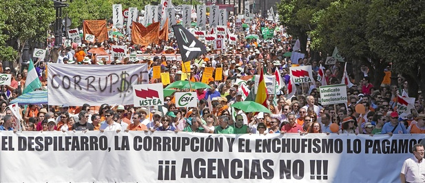 Resultado de imagen de el despilfarro el enchufismo y la corrupción lo pagamos todos agencias no