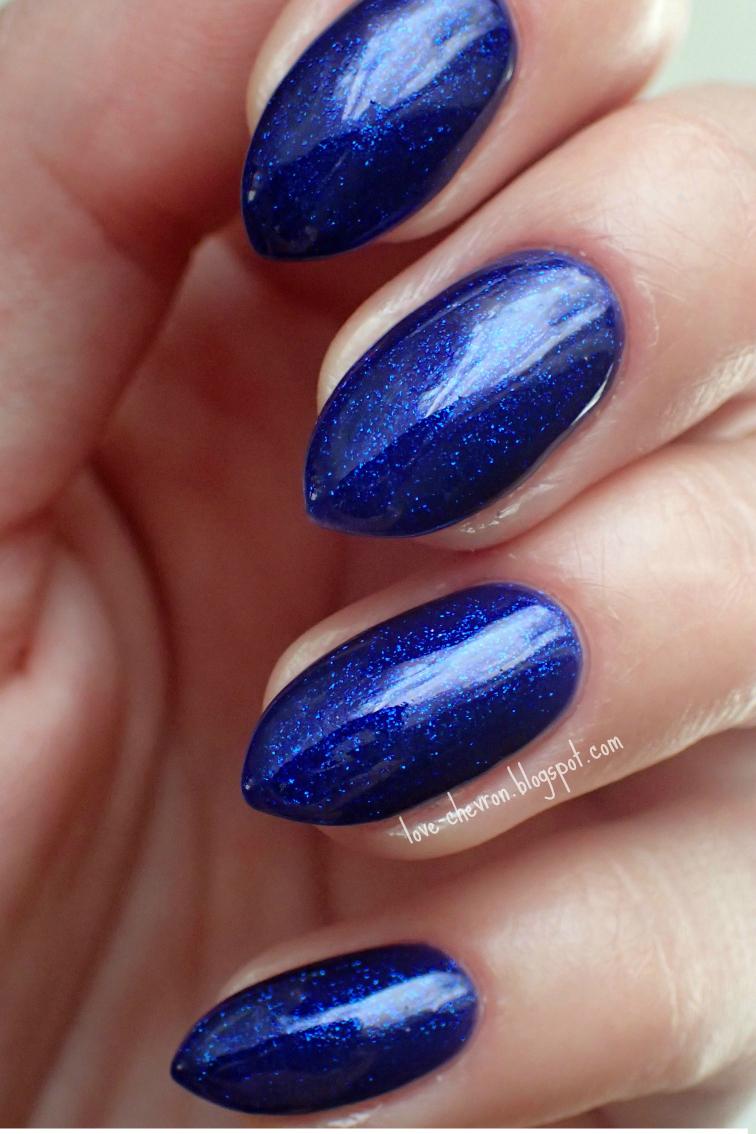 Semilac kolor 087 na paznokciach
