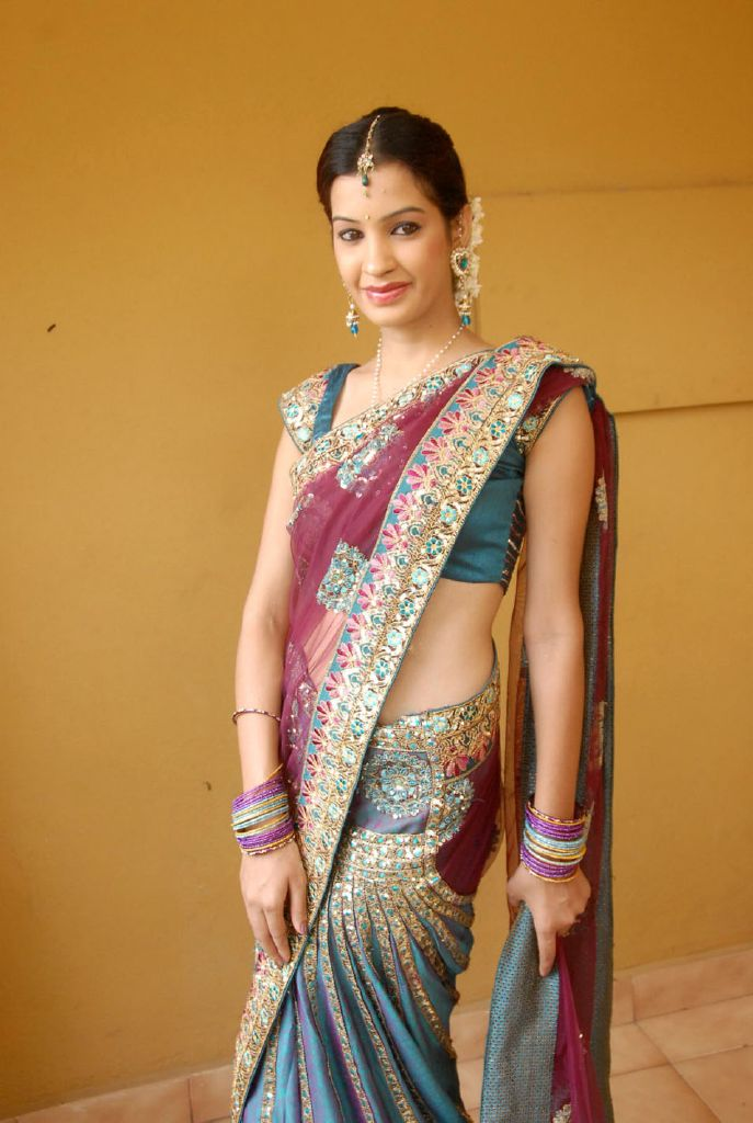 Hd Cute Bat Wallpaper Diksha Panth New Hot Stills Hot Photos In Saree