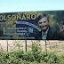 Outdoor em apoio a Bolsonaro é colocado na principal avenida de Santa Quitéria