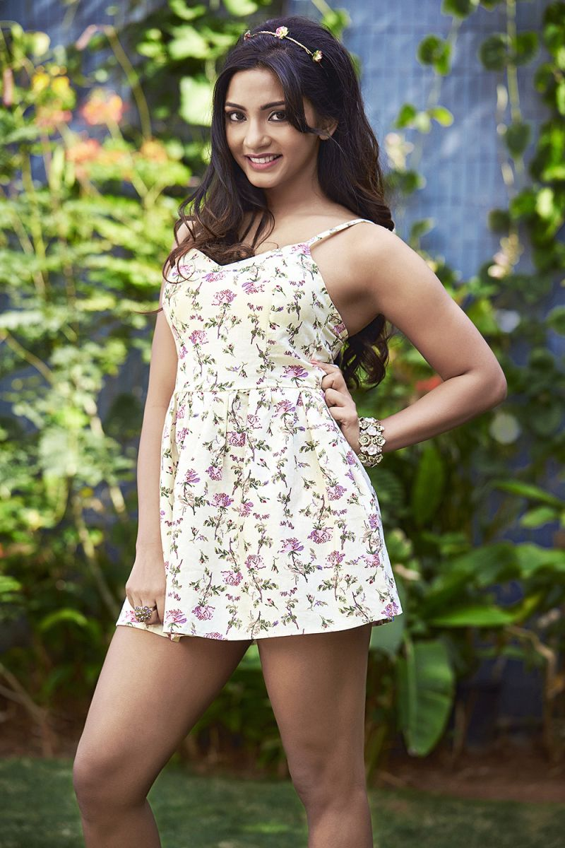 Actress Kamna Latest Cute Hot White Mini Skirt Dress Spicy Thighs Show Photoshoot Gallery