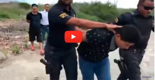 Dos balseros venezolanos capturados tras llegar a Aruba para refugiarse de la dictadura de Maduro