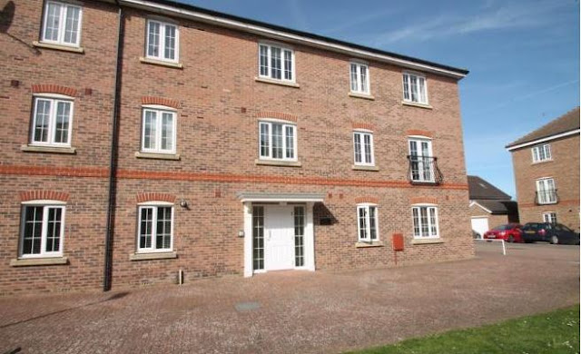 2 bed flat, Hampton House, The Boulevard, Tangmere, Chichester