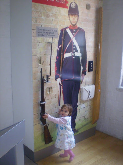 Eldest learns about Victorian soldiers