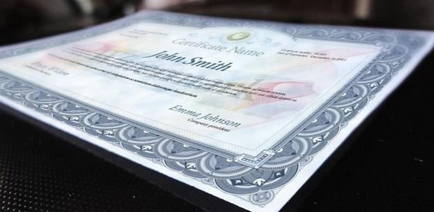 Excelente plantillas PSD de diplomas gratis