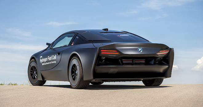 FCEV BMW i8 rear view
