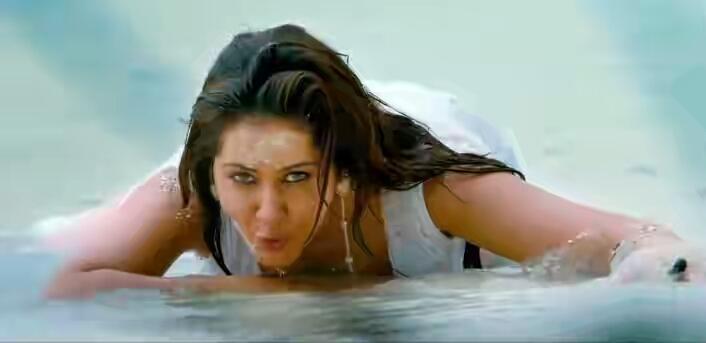 Rashi Khanna Hot Ceavage In the Beach
