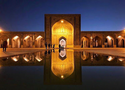 The fifth largest city in Iran, Shiraz, is also an antiquated city with several ancient attractions still remaining in good conditions.