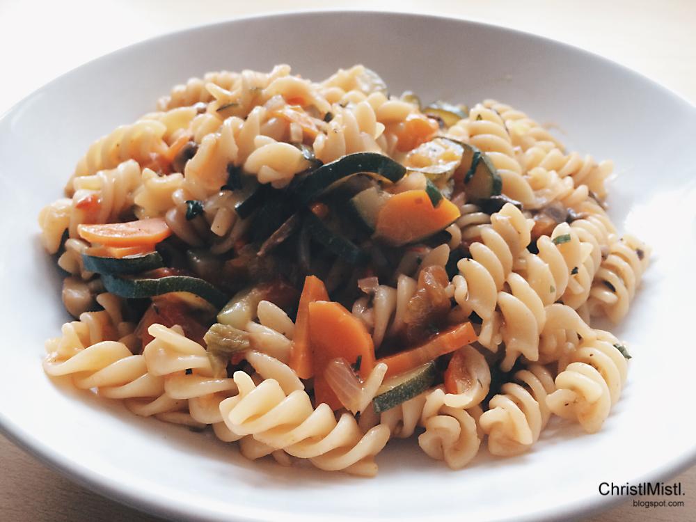 rezept weniger abwasch dank vegetarischer one pot pasta christl mistl. Black Bedroom Furniture Sets. Home Design Ideas