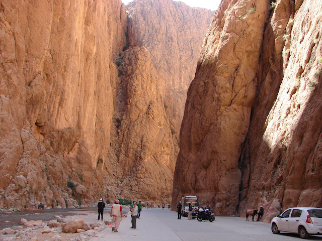 Samochodem po Maroku w trzy tygodnie. Wywiad z Lilą i Jurkiem