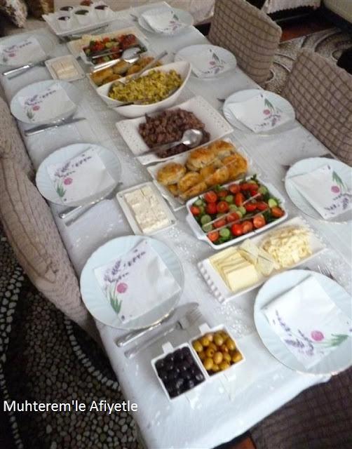 akraba günü kahvaltı masası