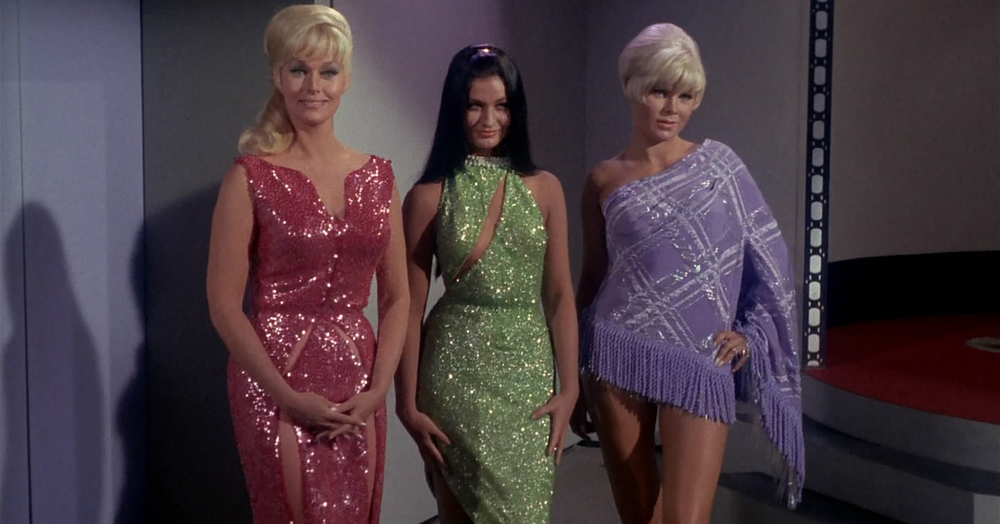 Star Trek 10 Dirtiest Secrets About The Original Costumes The Geek Twins