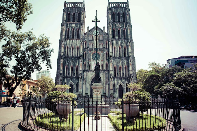 Top 5 churches in Vietnam attract tourists 2