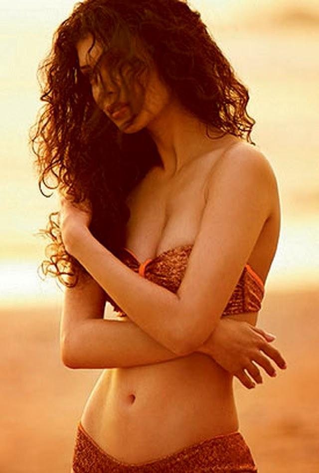 Bollywood Desi Actress Tena Desae (Talia Benson) Free Hot Bikini Wallpapers and Images 2015