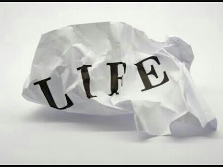 Meruntuhkan idealisme agar hidup bebas stress