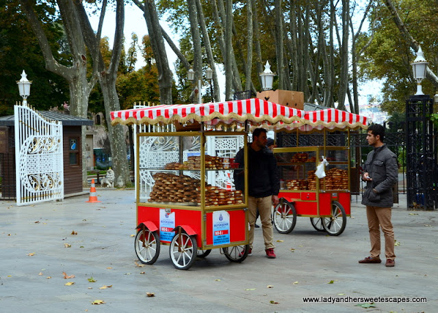 simit red cart Istanbul